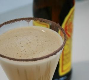 Smetanový nápoj Kahlúa