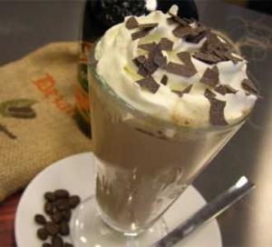 Smetanová ledová káva